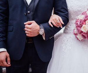 Toate noile măsuri de relaxare care intră în vigoare de azi în România. Câte persoane au voie la nuntă?