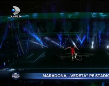 """MARADONA, """"VEDETĂ"""" PE STADION"""