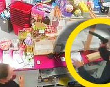 VIDEO - Coșmar pentru două românce din Spania. Au fost atacate cu arme