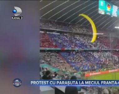 PROTEST CU PARAȘUTA LA MECIUL FRANȚA-GERMANIA