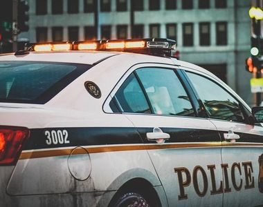 Un bărbat de etnie romă a murit în străinătate. Polițistul i-a pus genunchiul pe gât,...