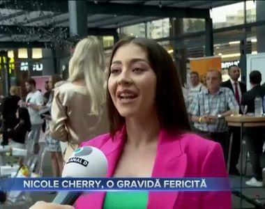 Nicole Cherry, o gravidă fericită