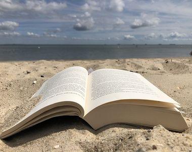 Cele mai frumoase cărți de citit în vacanță în funcţie de destinaţia în care mergi