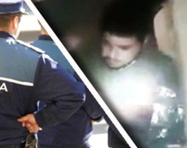 VIDEO | Un bărbat, pus de polițiști să caute un pistol într-un WC. Oamenii legii l-au...