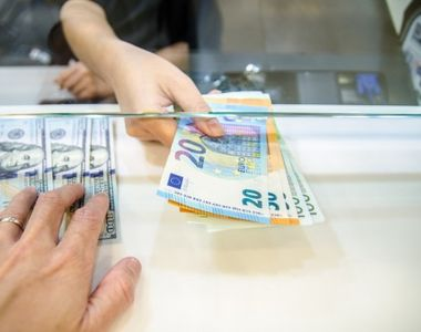 Curs valutar BNR, azi 15 iulie 2021: Ce se întâmplă cu moneda naţională?