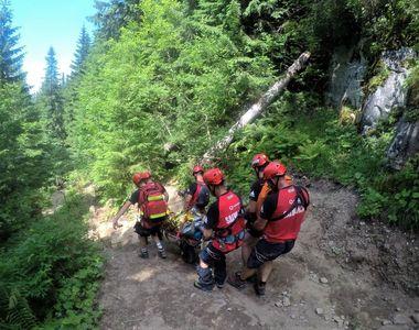O femeie de 70 de ani a murit în timp ce era în drumeție pe munte