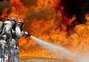 Intervenție la limită în București. Un apartament a luat foc