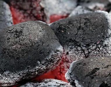 VIDEO| Copil ars pe grătarul încins. Incident șocant în vacanță