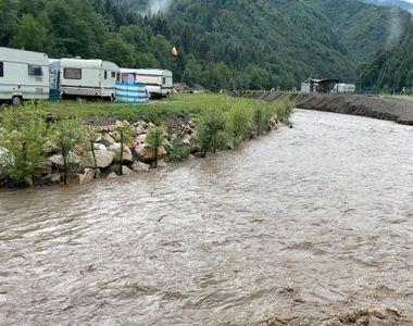 Mesaj Ro-Alert în Brasov, după ce apele unui pârâu au distrus două podețe
