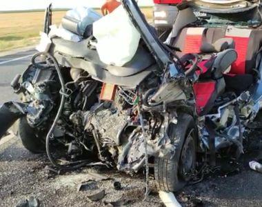 Accident grav în Olt. Trei persoane au murit după ce maşina în care se aflau a fost...