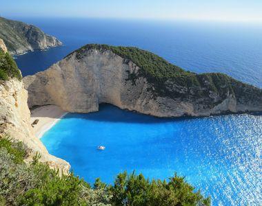Grecia a intrat in scenariul rosu. In ce conditii iti mai poti face concediul aici in...