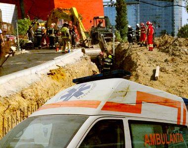 VIDEO | Mai mulți muncitori au fost prinşi sub un mal de pământ pe un şantier. Unul...