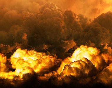 Incendiu de ultima oră. Pompierii au intervenit la un depozit de deşeuri unde a...