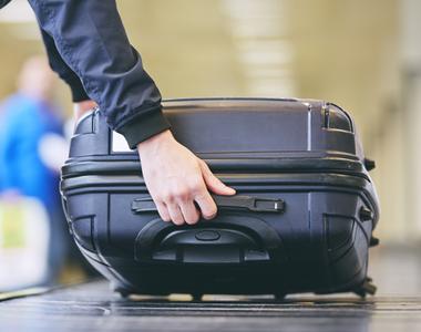 Pasagerii unei curse Bologna-Iași nu și-au găsit bagajele la aterizare. În ce țară au...
