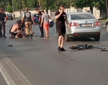 VIDEO | Un bărbat care circula pe trotinetă a fost ucis de un motociclist, în urma unei...