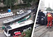 VIDEO | Accident grav în Iași. Un tramvai a sărit de pe șine, un șofer a rămas încarcerat