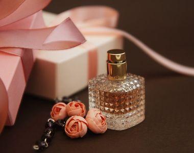 Top parfumuri ce te vor face remarcată