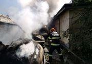 Mai multe microbuze au ars într-un incendiu devastator la Botoșani