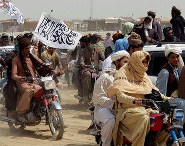 Talibanii cuceresc oraşul Ghazni