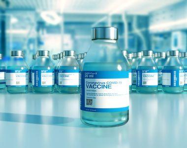 SUA recomandă administrarea unei a treia doze de vaccin anti-COVID la opt luni după a...
