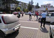 Un bărbat din Galați este cercetat penal după ce a lovit cu mașina o femeie care încerca să blocheze un loc de parcare pentru tatăl ei