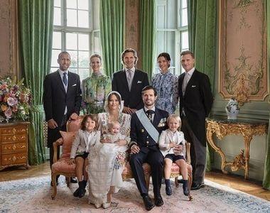 Familia regală suedeză a publicat trei fotografii oficiale de la botezul prinţului Julian