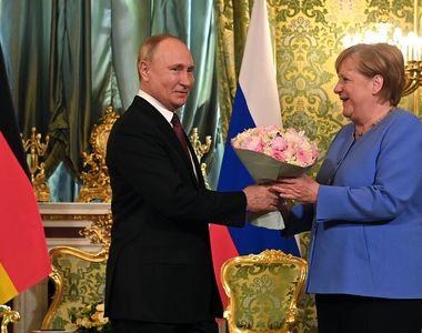Ce au stabilit Angela Merkel și Vladimir Putin în întâlnirea de vineri de la Kremlin