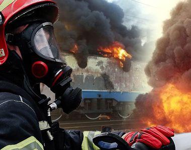 VIDEO | Locomotiva unui tren de călători a luat foc în mers. Traficul feroviar, reluat...