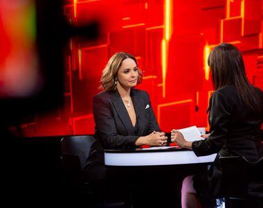 Andreea Marin, una dintre cele mai îndrăgite vedete de televiziune din România,...