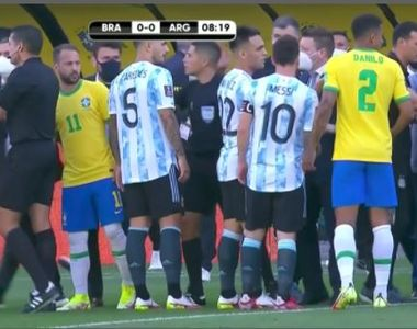 VIDEO | Scene ireale pe terenul de fotbal. Messi şi coechipierii săi au fost nevoiţi să...