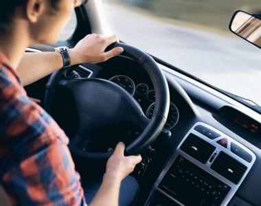 Un copil de 14 ani s-a urcat la volan şi a dat peste un tânăr