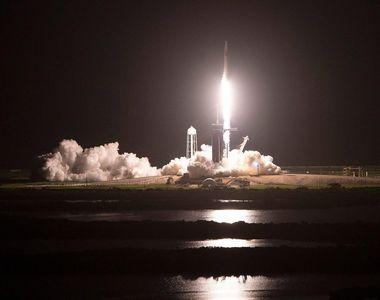 Prima rachetă cu echipaj civil a fost lansată