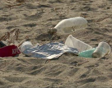 VIDEO | Imagini dezolante vin de pe plajele constănțene. Gunoaiele domnesc pe nisip