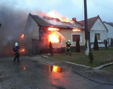 O locuință din localitatea Prundu, județul Giurgiu, a ars și alte cinci gospodării au...