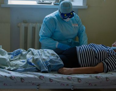 Valul patru pune stăpânire pe un spital din Galați. Angajații și pacienții obligați să...