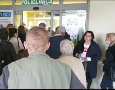 VIDEO | Scandal la ușile Spitalului Județean Timișoara, unde zeci de pacienți s-au...