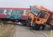 Accident grav pe calea ferată din Timiș: Două persoane au ajuns la spital