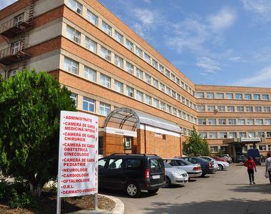 Pacienții cu COVID-19 din Spitalul Municipal Râmnicu Sărat au rămas fără medicamente