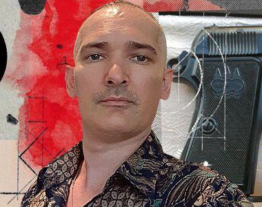 Un celebru colecționar de artă, găsit împușcat în casă
