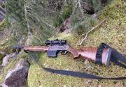 Un bărbat din Suceava s-a ales cu dosar penal după ce a fost prins cu o armă de vânătoare în tractor