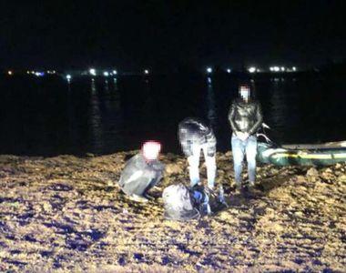 10 persoane afgane au fost prinse după ce au trecut Dunărea din Serbia cu o barcă...