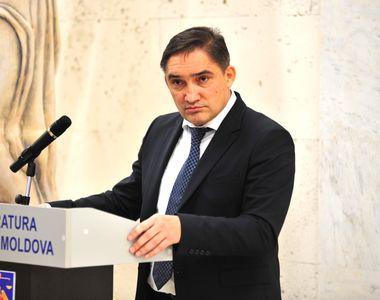 Procurorul general al Republicii Moldova a fost reținut pentru 72 de ore. El va fi...