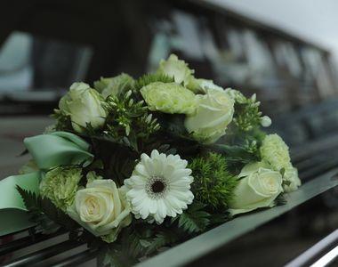 Mesaje de condoleanţe şi susţinere pentru prietenii care au un deces în familie