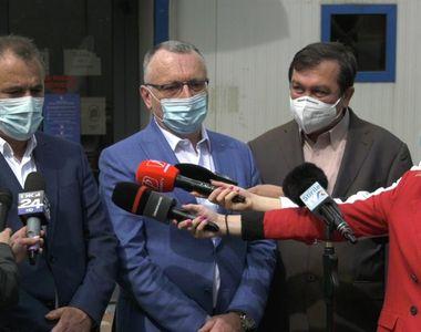 """Sorin Cîmpeanu: """"Resping categoric acea fugă de răspundere din partea unor directori de..."""