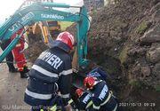 Un bărbat din Maramureș a fost prins sub un mal de pământ în timp ce lucra la o canalizare