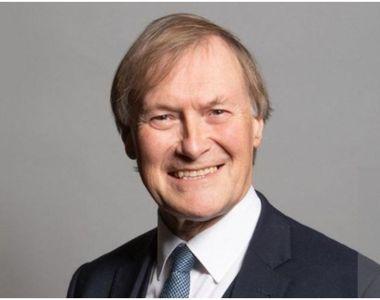 Un deputat din Marea Britanie a murit după ce a fost înjunghiat în timpul unei ședințe...