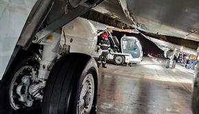 VIDEO|Flăcări și panică pe aeroportul din Cluj-Napoca