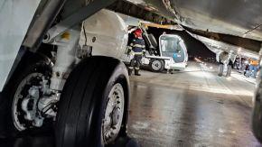 Pneurile unui avion au explodat cluj napoca aeroport
