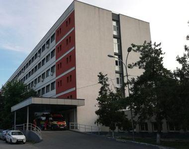 VIDEO | Pacient lovit în curtea spitalului din Tulcea