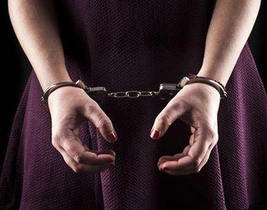 Femeie condamnată la 9 ani de închisoare cu executare după ce a lovit un poliţist pe...
